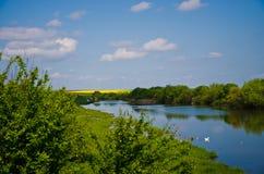 Озеро сельская местность Стоковая Фотография