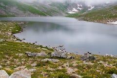 Озеро скалистой горы na górze mt Эванса Колорадо Стоковые Изображения RF