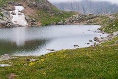 Озеро скалистой горы na górze mt Эванса Колорадо Стоковое фото RF