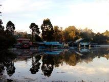 озеро спокойное Стоковое Изображение