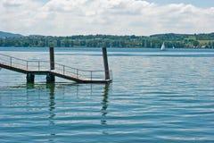 озеро стыковки водя к стоковые фотографии rf