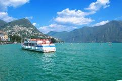 Озеро с шлюпками, Швейцария, лето Стоковые Фотографии RF
