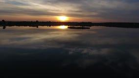 Озеро увиденное от трутня видеоматериал