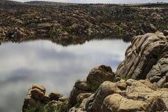 Озеро Уотсон в Prescott, Аризоне, США на солнечный весенний день стоковые изображения