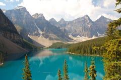Озеро утесистая гор Стоковая Фотография