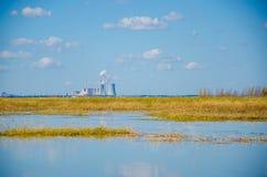 озеро фабрики промышленное Стоковое Изображение