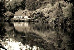 озеро хаты старое Стоковое Изображение RF