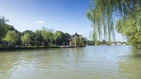 Озеро Янчжоу сада традиционного китайского худенькое западное стоковые изображения rf
