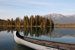 озеро яшмы Канады beauvert alberta Стоковые Изображения RF