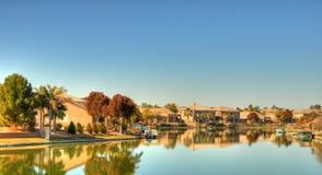 озеро 2 домов пустыни Стоковые Изображения