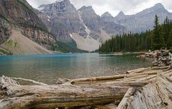 озеро alberta banff Канады обнаружило местонахождение парк морены louise национальный близкий Стоковое Изображение