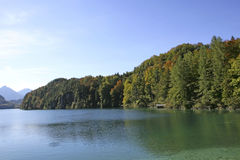 Озеро Alpsee около Hohenschwangau, Баварии Стоковая Фотография RF