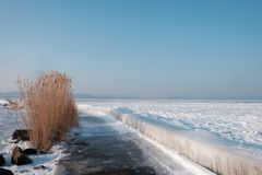 Озеро Balaton в зиме стоковая фотография rf