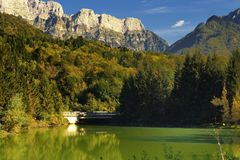 Озеро Barcis (Friuli Venezia Giulia Стоковое Изображение