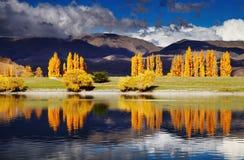 Озеро Benmore, Новая Зеландия Стоковое фото RF