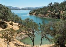 Озеро Berryessa, ландшафт пустыни стоковое фото