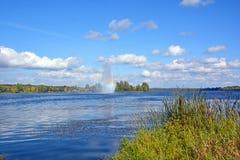 Озеро Boivin и фонтан Стоковое Изображение RF