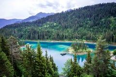 Озеро Caumasee около Flims, Швейцарии стоковые изображения