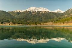 Озеро Doxa в Пелопоннесе Греции Красивое touristic назначение стоковая фотография