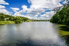 Озеро Dzban в одичалом Sarka - Праге, чехии Стоковые Фото