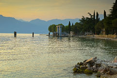 Озеро Garda на заходе солнца Стоковое фото RF