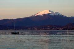 Горы рядом с Lago di Garda Стоковые Изображения