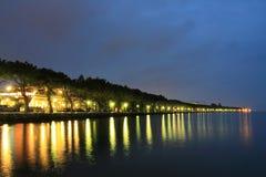 Подпирайте на Lago di Garda в вечере Стоковое Изображение RF