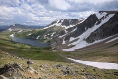 Озеро Gardner в горах Beartooth стоковая фотография rf