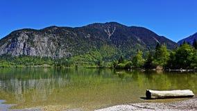 Озеро Hallstattersee в Австрии стоковая фотография