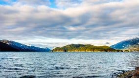 Озеро Harrison с островом отголоска Стоковые Фото
