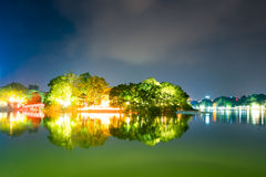 Озеро Hoan Kiem, черепаха Ханой, Вьетнам Стоковое Изображение