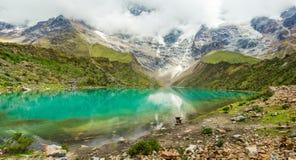 Озеро Humantay в Перу на горе Salcantay в Андах стоковая фотография rf