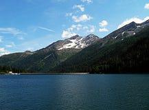 Озеро Isola гор в Швейцарии Стоковые Фото