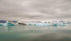 Озеро Jokulsarlon ледниковое стоковые изображения