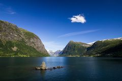 Озеро Jolstravatnet в южной Норвегии Стоковая Фотография RF