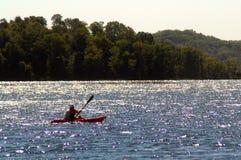 озеро kayak стоковое изображение rf