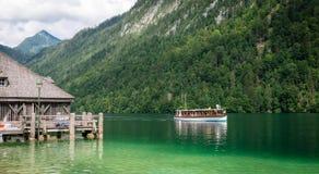 Озеро Koningssee в немце Альпах Стоковые Изображения