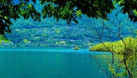 Озеро Langensee в городе Ascona, Швейцарии Стоковое Фото