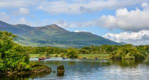 Озеро Leane в солнечном утре, в национальном парке Killarney, Керри графства, Ирландия стоковое изображение