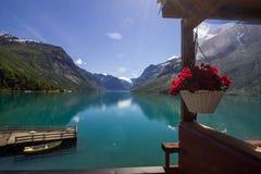 Озеро Lovatnet в Норвегии в Европе Стоковая Фотография RF