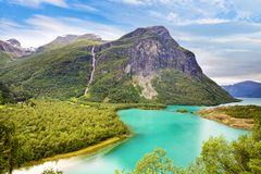 Озеро Lovatnet в Норвегии стоковые фото