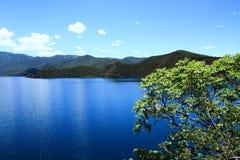 Озеро Lugu сценарное в платформе просмотра деревни Nisai Стоковые Фото
