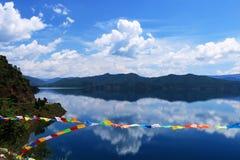 Озеро Lugu, Lijiang, Юньнань, Китай стоковое фото