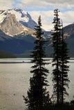 Озеро Maligne в канадских скалистых горах Стоковые Фотографии RF