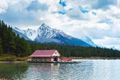 Озеро Maligne, национальный парк яшмы, яшма, Стоковое Изображение
