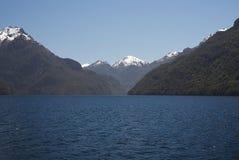Озеро Manapouri Новая Зеландия c Стоковые Фотографии RF