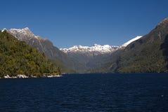 Озеро Manapouri Новая Зеландия d Стоковые Фотографии RF