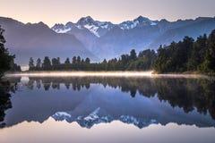 Озеро Matheson, Новая Зеландия стоковые изображения