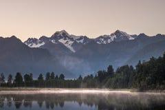 Озеро Matheson, Новая Зеландия стоковые изображения rf