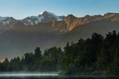 Озеро Matheson, Новая Зеландия стоковые фотографии rf